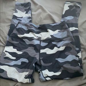 Pink blue gray camo ultimate leggings